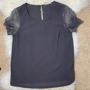 5/$25 41 Hawthorn gray Lace Blouse Small